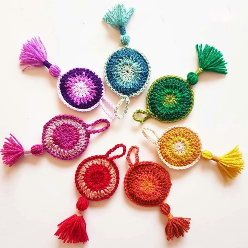 retro circle crochet ornament